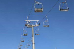 Stolelift i skiområdet