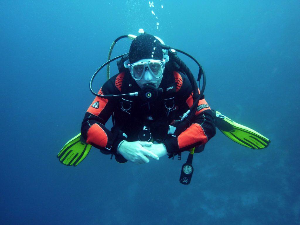 divers, scuba divers, diving
