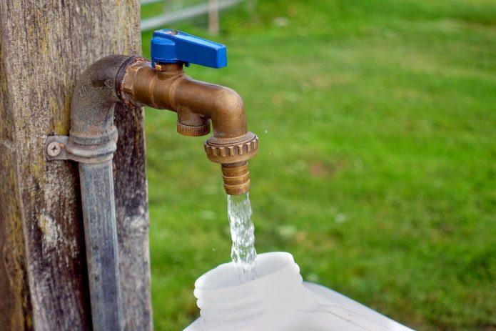 Wasser auf dem Campingplatz befüllen